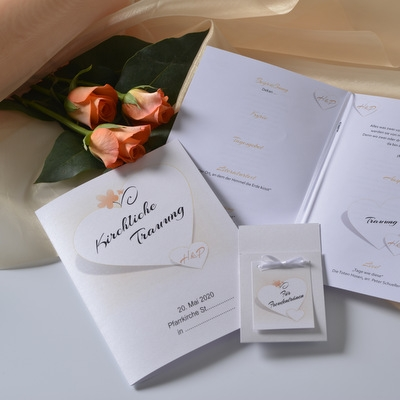 Liederheft mit einem romantischen Design und passenden Einlageblättern.