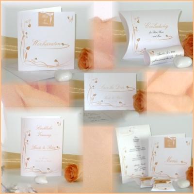 Hochzeitspapeterie mit zarten apricot Ranken und Herzen