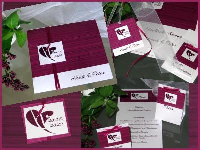 Hochzeitskarten in aubergine und weiß mit klaren Linien.
