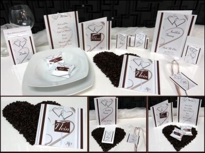 Moderne Hochzeitseinladungen und Hochzeitsdekoration mit Streifen und Herzen in braun.