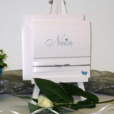 Hochwertige Einladungskarten zur Hochzeit in modernen Farben.
